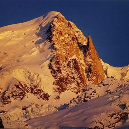 Array (     [id] => 722     [id_producto] => 228     [imagen] => 228-montBlancTacul71.jpg     [orden] => 3 )